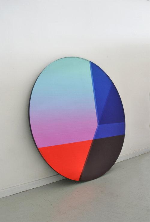 'Seeing Glass' round mirror by Sabine Marcelis and Brit van Nerven women designers