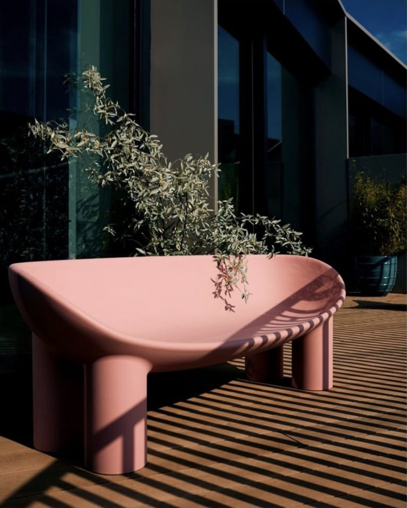 Mediterranean Decor: the pink Roly Poly sofa by Driade