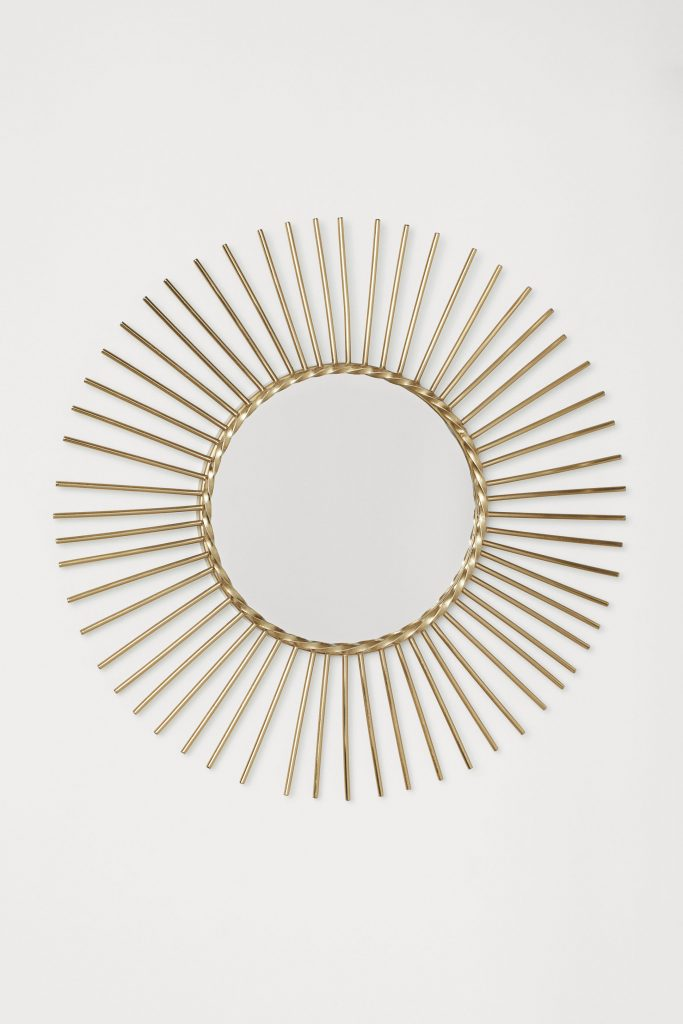 Mediterranean decor: round mirror, H&M Home.