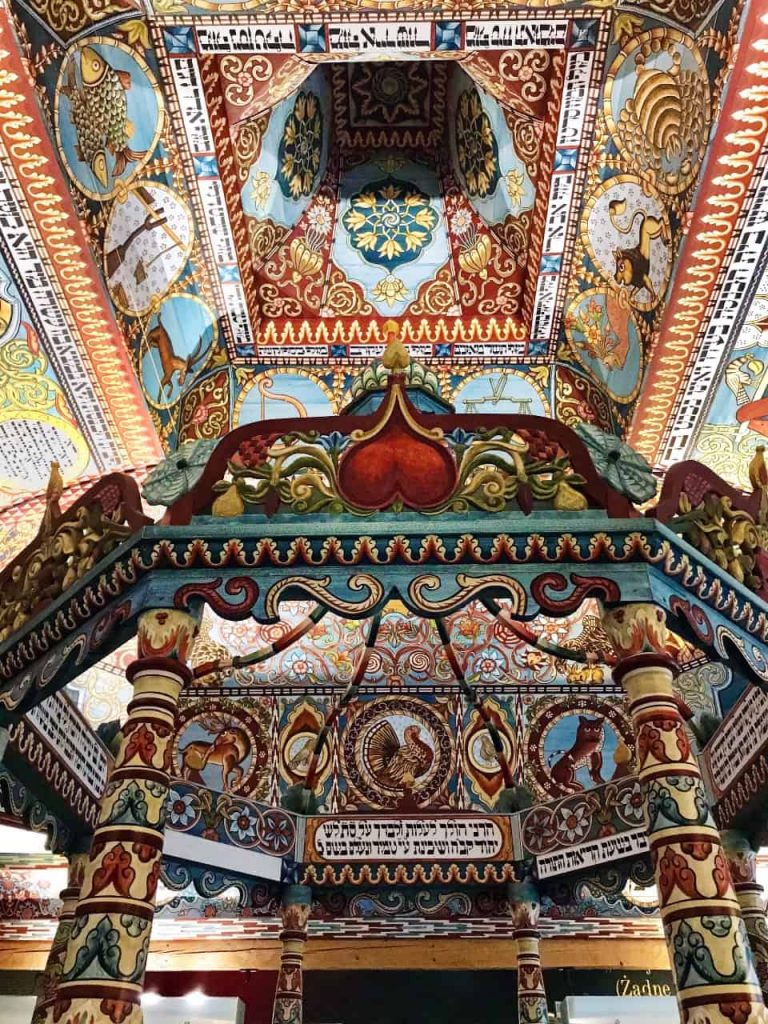 Gwoździec synagogue, details of the ceiling